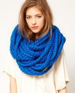 с чем носить шарф хомут