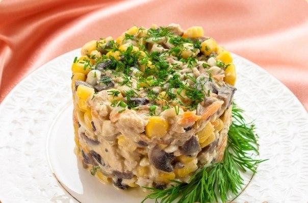 Салат с курой и кукурузой